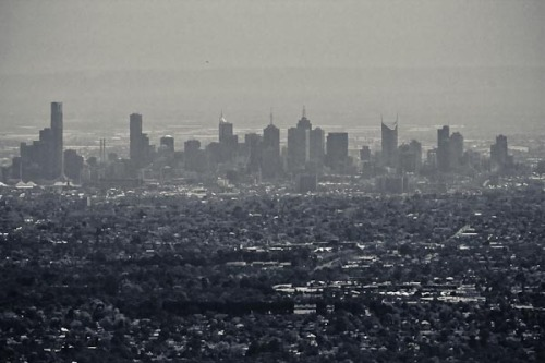 Taken with Barry's 400mm F2.8 lens! I can't even get all of the city centre in the frame! On my camera body, this is 400 x 1.6 = 640mm 35mm camera equivalent focal length.